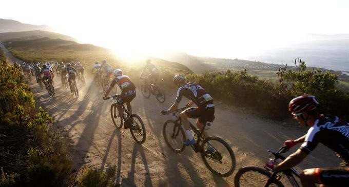 Participants of the professional peleton in action during Stage 1 of the 2017 ABSA Cape Epic mountain bike stage race over 101km, Hermanus, South Africa, 20 March 2017. The race is called the 'Tour de France' of mountain biking and sees 1200 riders racing over 691km during 8 stages and climbing twice the height of Mount Everest. The race sees the worlds best professional riders racing with amateur riders. EPA/KIM LUDBROOK *** Local Caption *** 53399290