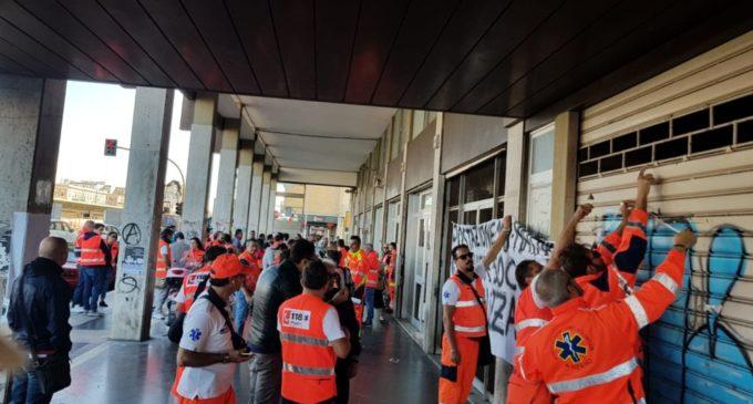 PROTESTA OPERATORI 118 MATTINATA (ST)