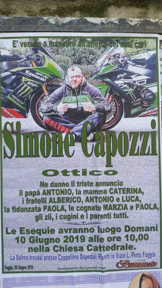 SIMONE CAPOZZI - MANIFESTO PER FUNERALI (PH ENZO MAIZZI)